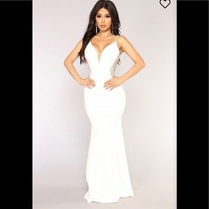 Dresses & Skirts - Super sexy ❤️white long dress